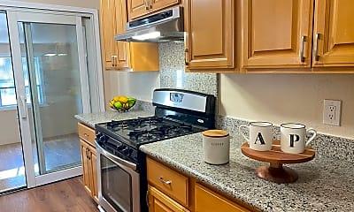 Kitchen, 25431 Soto Rd, 1