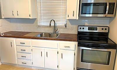Kitchen, 2407 McKinley St 3, 1
