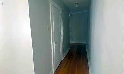 Living Room, 32 Shady Dr W, 1