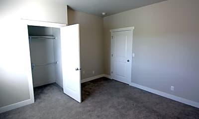 Bedroom, Creekside Oaks, 2
