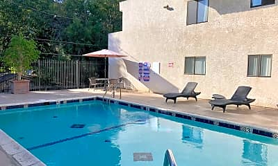Pool, 5637 Hazeltine Ave, 1