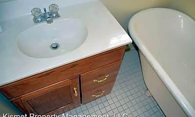 Bathroom, 1294 Vinton Ave, 2