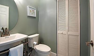 Bathroom, 529 SW 147th Ave, 2
