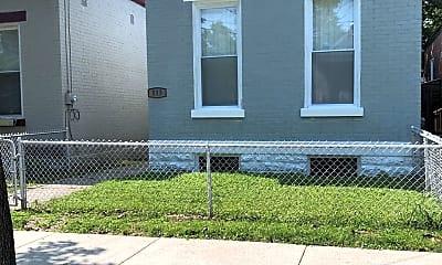 Building, 515 E 19th St, 0