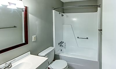 Bathroom, Quail Pointe, 2