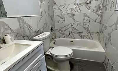 Bathroom, 3142 Morley Ave, 2
