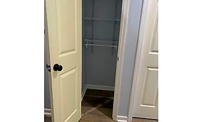 Bathroom, 33 E Morningside Dr, 2