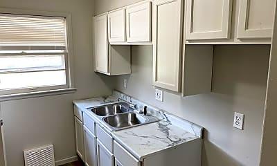 Kitchen, 4517 linwood, 2