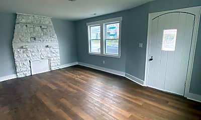 Living Room, 226 Leonard Pl, 1