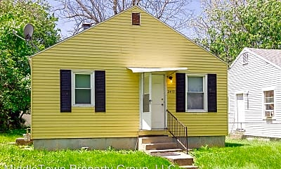 Building, 2413 S Ebright St, 1