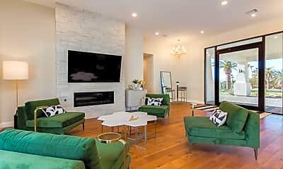 Living Room, 4601 N Royal View Dr, 1