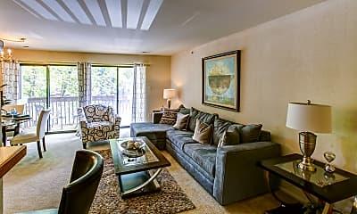 Living Room, Shade Tree Trace, 1