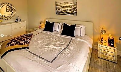 Bedroom, 2899 Collins Ave 617, 2