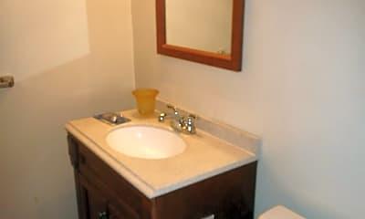 Bathroom, 901 Quarry Rd, 2