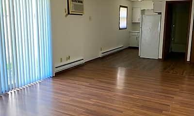 Living Room, 1334 Potomac Pl, 1