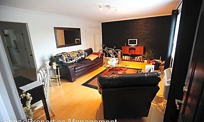Living Room, 1047 W Academy St, 2