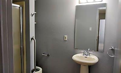 Bathroom, 902 W Hickory St 1, 1