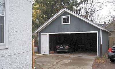 Building, 536 Walnut St, 1