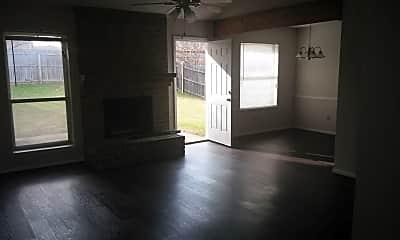 Living Room, 6908 Westcreek, 1