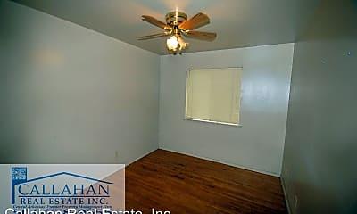 Bedroom, 704 W M St, 2