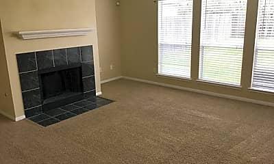 Living Room, 15127 Kingsbridge Way, 1