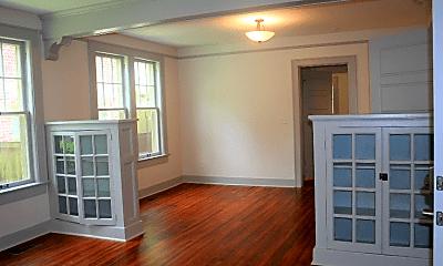 Living Room, 1415 Center St, 1
