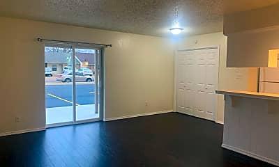 Kitchen, 1311 Glen Oaks Ct, 1