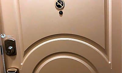 Bathroom, 101 N Ocean Dr 576, 1