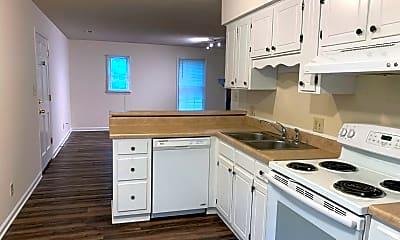 Kitchen, 2401 Sawmill Rd, 1