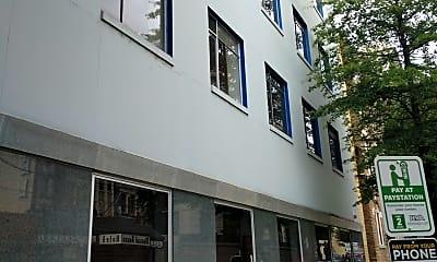 4N4 MIDTOWN Apartments, 0
