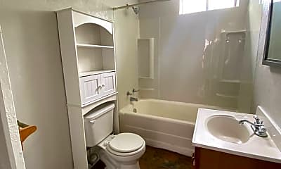 Bathroom, 2022 Plainview Ave, 2