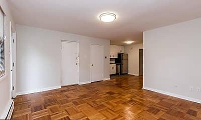 Living Room, 540 W Sedgwick St B4, 1