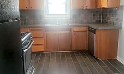 Kitchen, 30504 Rush St, 1
