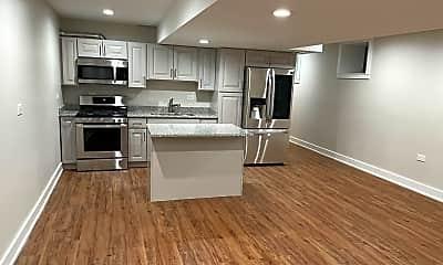 Kitchen, 2321 W Warren Blvd GRDN, 1