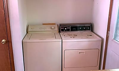 Kitchen, 818 Creekside Dr, 2
