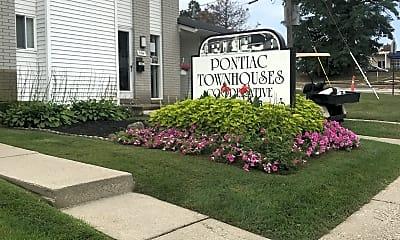 Pontiac Townhouse Coop, 1