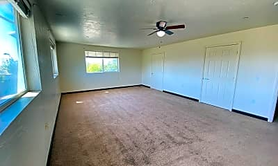 Living Room, 831 Mason Rd, 1