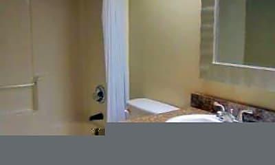 Bathroom, 1001 W Alden Ave, 2