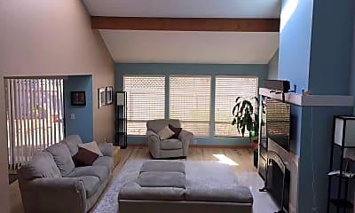 Living Room, 6611 159th ave ne, 1