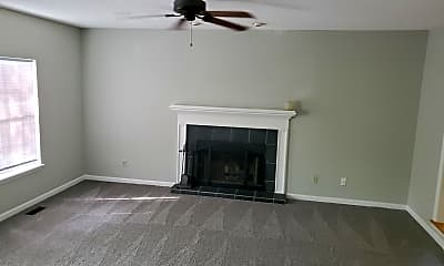 Living Room, 104 Green Ash Ct, 1