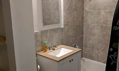 Bathroom, 120 32nd St, 1