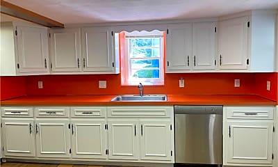 Kitchen, 31 Ledge Ave, 1