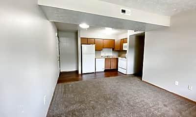 Living Room, 253 Sheetz St, 2