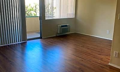 Living Room, 17320 Burbank Blvd, 0