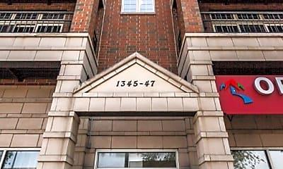 Building, 1347 N Ashland Ave, 0