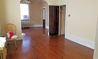 Living Room, 900 Rhomberg Ave, 2