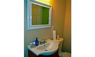 Bathroom, 3660 SW 10th St, 2