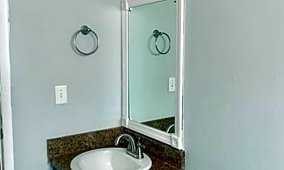 Bathroom, 2001 Dawson Rd, 2