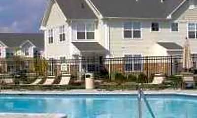 Pool, Preston Pointe at Brownstown, 0