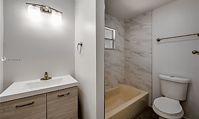 Bathroom, 1604 SW 9th St, 2